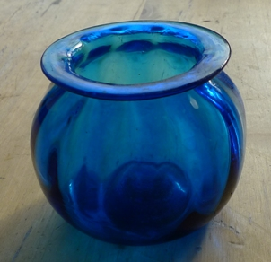 blue ribbed leech pot
